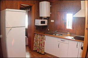 Bungalow Curro Pareja 131, Dovolenkové domy  Conil de la Frontera - big - 30
