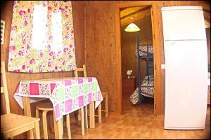 Bungalow Curro Pareja 131, Dovolenkové domy  Conil de la Frontera - big - 32