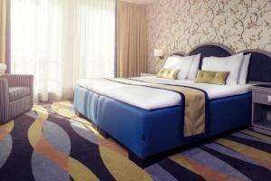 Carlton Oasis Hotel