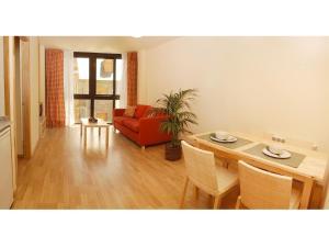 Aparthotel Nou Vielha, Apartmánové hotely  Vielha - big - 2