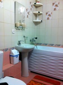 Apartment On Zapadnaya 16, Appartamenti  Vityazevo - big - 9