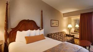 One-Bedroom Suite - Lake View