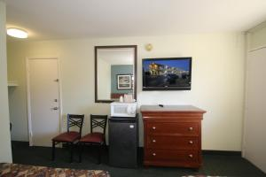 Royal Inn and Suites Charlotte Airport, Motely  Charlotte - big - 8