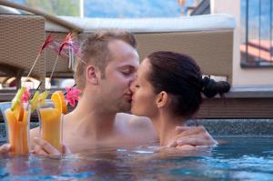 Alpen-Herz Romantik & Spa - Adults Only, Szállodák  Ladis - big - 102