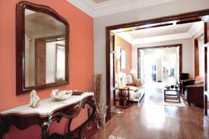 You Stylish The Most Luxury Apartment, Ferienwohnungen  Barcelona - big - 47