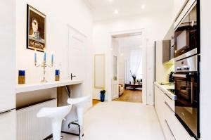 Luxory Three-Bedroom Apartment - Király street, 6th district