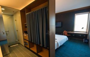 Aloft Queen Room with 2 Queen beds