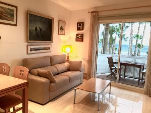 Sitges Seafront Apartment, Apartmány  Sitges - big - 23