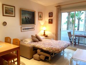 Sitges Seafront Apartment, Apartmány  Sitges - big - 24