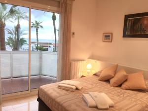Sitges Seafront Apartment, Apartmány  Sitges - big - 31