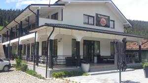 La Roca, Guest houses  Grinţieşu Mic - big - 1