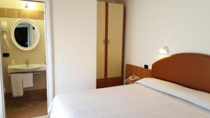 Hotel Trocadero, Szállodák  Riccione - big - 25