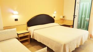 Hotel Trocadero, Отели  Риччоне - big - 65