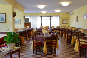 Hotel Certosa, Hotel  Certosa di Pavia - big - 40