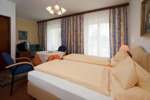 Kirchenwirt, Hotel  Velden am Wörthersee - big - 2