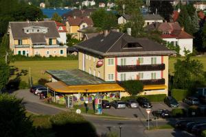 Kirchenwirt, Hotel  Velden am Wörthersee - big - 13