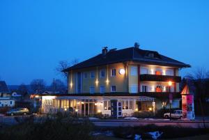 Kirchenwirt, Hotel  Velden am Wörthersee - big - 16
