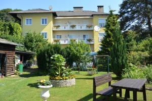 Kirchenwirt, Hotel  Velden am Wörthersee - big - 37