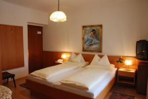 Kirchenwirt, Hotel  Velden am Wörthersee - big - 3