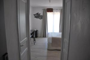 Hôtel de la Vierge Noire, Hotel  Sainte-Maxime - big - 22
