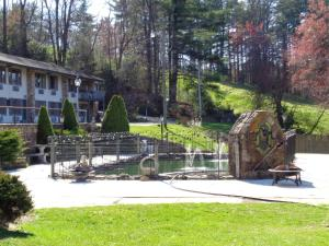 High Meadows Inn, Inns  Roaring Gap - big - 41