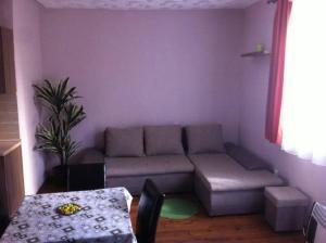 �ron Apartment
