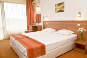 Family Hotel Vega, Hotels  St. St. Constantine and Helena - big - 11