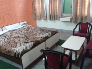 Radiant YMCA Tourist Hostel, Ostelli  Varanasi - big - 4