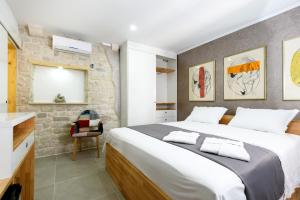 Villa Kudelik - Stone Story, Bed and breakfasts  Trogir - big - 20