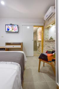 Villa Kudelik - Stone Story, Bed and breakfasts  Trogir - big - 22