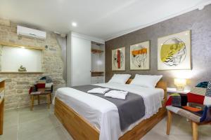 Villa Kudelik - Stone Story, Bed and breakfasts  Trogir - big - 24