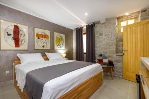 Villa Kudelik - Stone Story, Bed and breakfasts  Trogir - big - 25