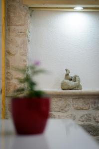 Villa Kudelik - Stone Story, Bed and breakfasts  Trogir - big - 41
