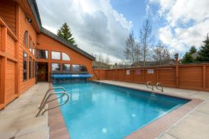 Three-Bedroom Home in Corinthian Hills, Prázdninové domy  Dillon - big - 33