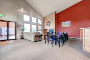 Three-Bedroom Home in Corinthian Hills, Prázdninové domy  Dillon - big - 35