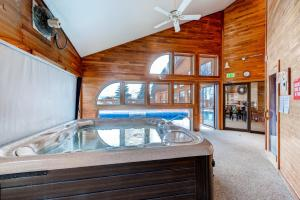 Three-Bedroom Home in Corinthian Hills, Prázdninové domy  Dillon - big - 36