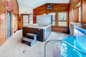 Three-Bedroom Home in Corinthian Hills, Prázdninové domy  Dillon - big - 37