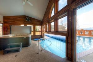 Three-Bedroom Home in Corinthian Hills, Prázdninové domy  Dillon - big - 39