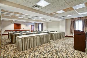 Hampton Inn & Suites Leesburg, Hotels  Leesburg - big - 13