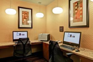 Hampton Inn & Suites Leesburg, Hotels  Leesburg - big - 11