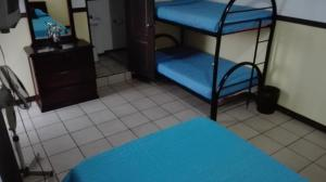 Hostel Cala, Guest houses  Alajuela - big - 24