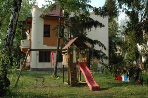 Annie Villa, Apartments  Siófok - big - 37