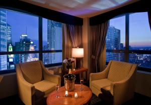 King Conference Suite with Times Square View