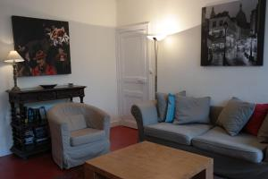 Penthouse Apartment overlooking Place Carnot, Апартаменты  Каркассон - big - 4
