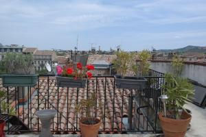 Penthouse Apartment overlooking Place Carnot, Апартаменты  Каркассон - big - 7