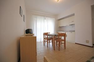 Residence Selenis, Apartments  Caorle - big - 53