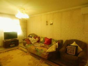 Apartment 16 Mikrorayon 42, Ferienwohnungen  Shymkent - big - 1