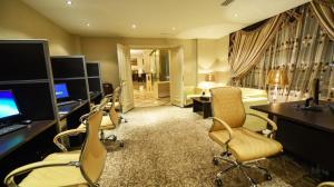 Grand Park Hotel, Hotel  Gedda - big - 36