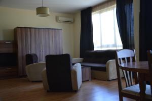 Iris Apartments, Ferienwohnungen  St. St. Constantine and Helena - big - 17