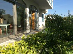 La Veranda Sul Giardino, Отели типа «постель и завтрак»  Коринальдо - big - 27